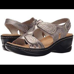 NEW Clarks Lexi Walnut Q Sandal